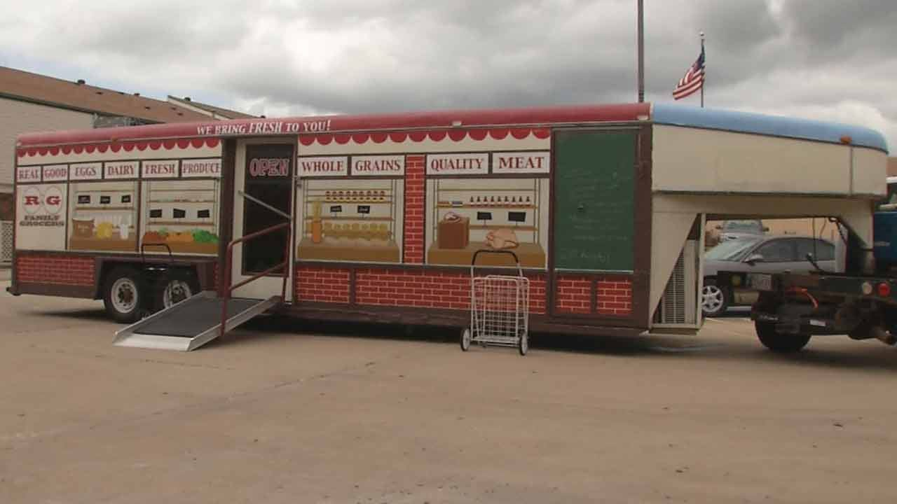 Horse Trailer Becomes Mobile Grocery Store In Tulsa