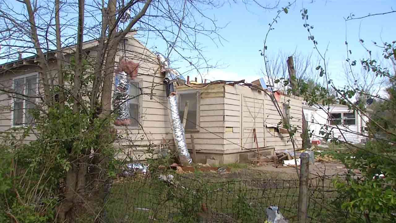 City Offers Free Debris Pickup For Tulsa Storm Victims