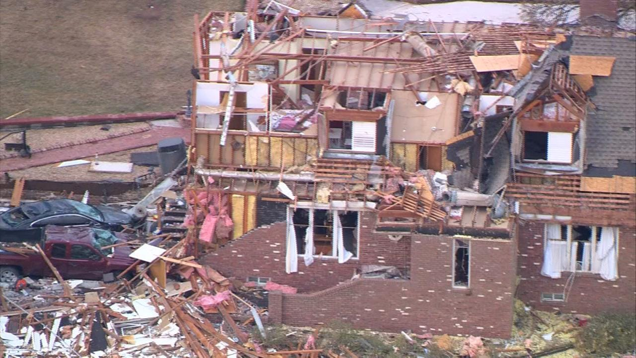 Claremore Students Help Tornado Victims Pick Up Pieces