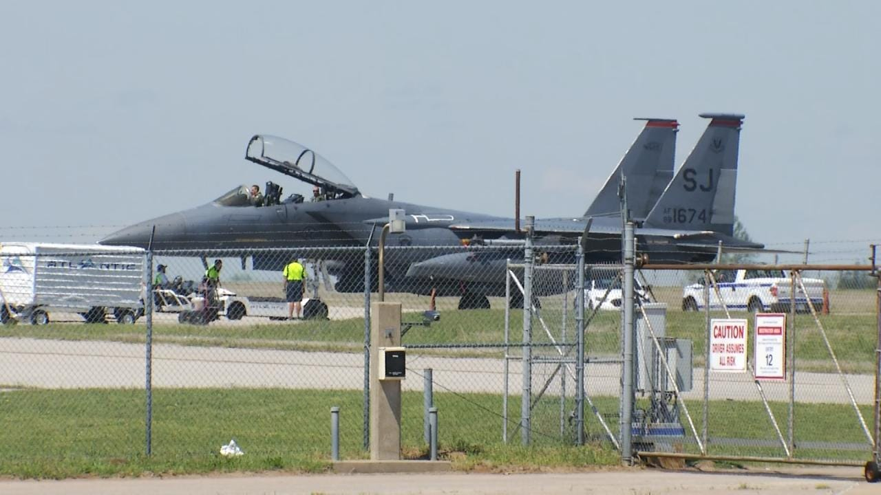 F-15 Fighter Jet Makes Emergency Landing At Tulsa International Airport