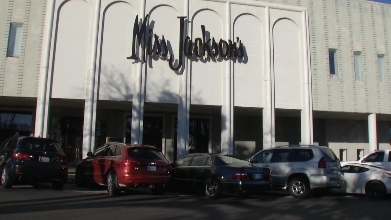 Utica Square Demolishing Miss Jackson's, Petty's Building