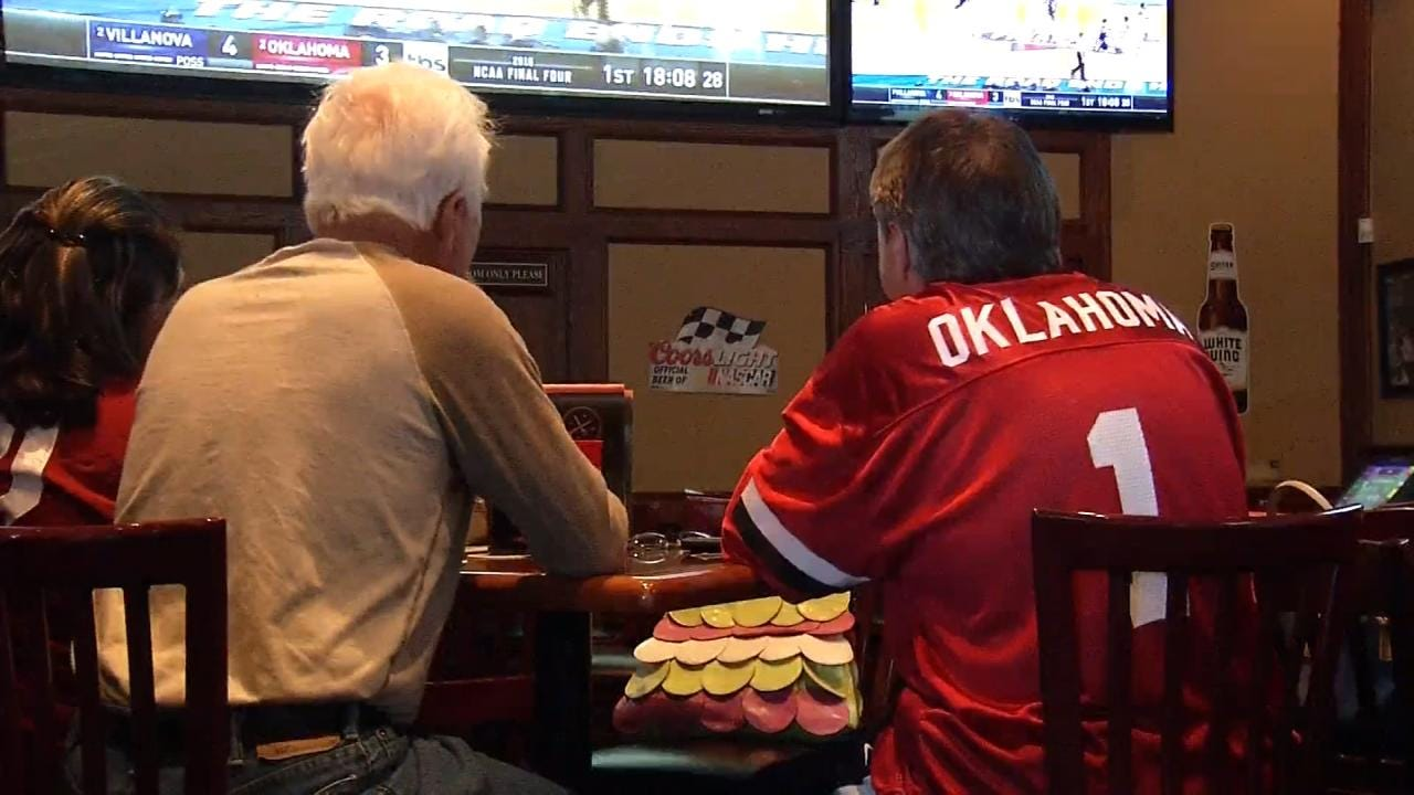 OU Fans Cheer On Sooners In Final Four At Tulsa Watch Party