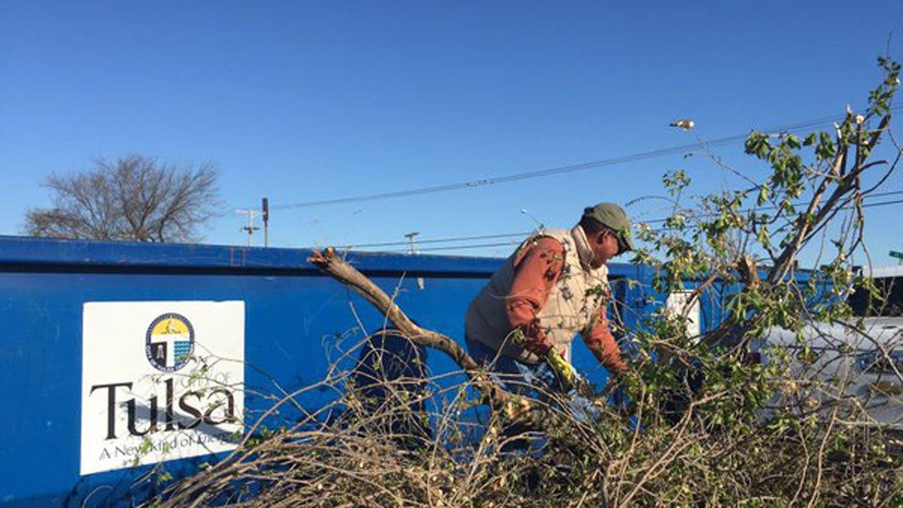 Volunteers Spend Weekend Helping Tulsa Tornado Survivors