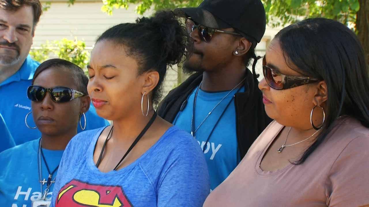 Tulsa Tornado Survivors Give Donations To Victim Who Needs It More