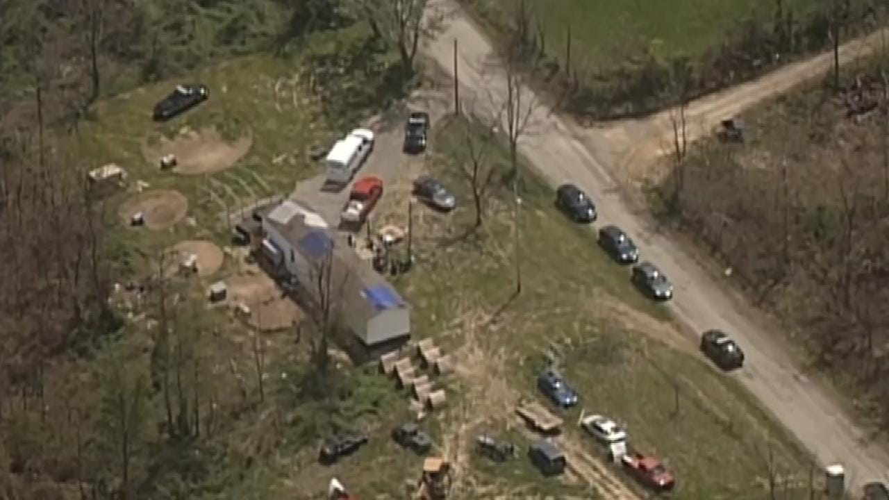 Search Continues For Gunman In Ohio Execution-Style Murders