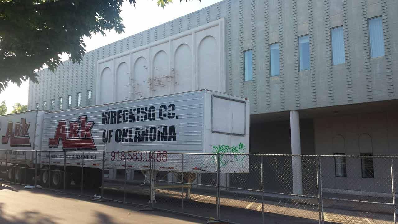 Iconic Tulsa Utica Square Shops Come Down