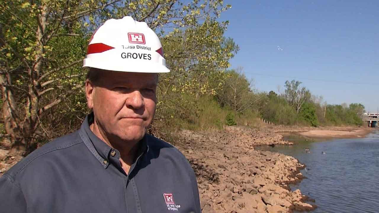 Crews Rebuilding Sandbar In Arkansas River To Help Endangered Bird