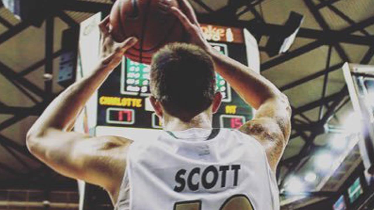Charlotte Basketball Transfer Curran Scott Headed To Tulsa