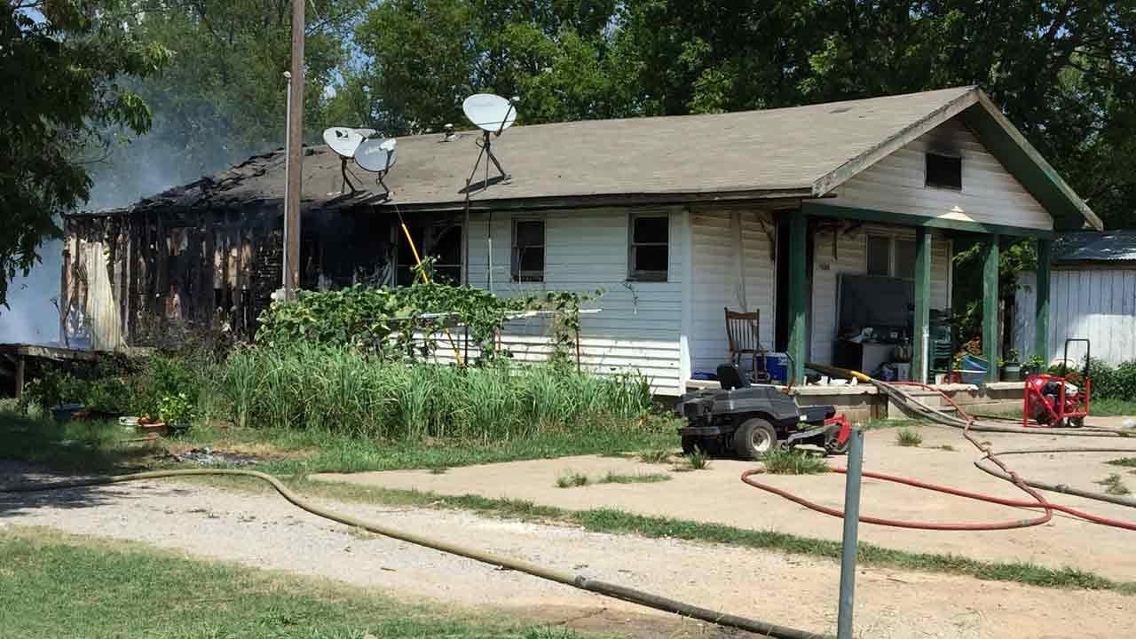 Tulsa, Owasso Firefighters Battle House Fires