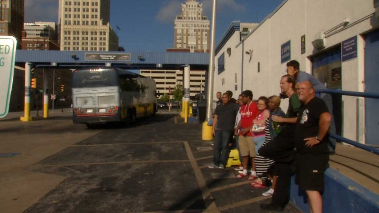 No Available Drivers Leaves 20 Tulsa Bus Passengers Stranded For Hours