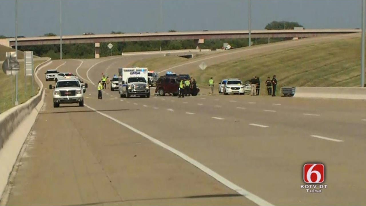 TPD: One Killed In Rollover Crash On Tulsa Highway