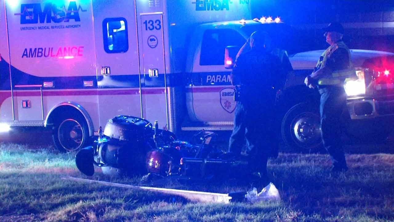Motorcyclist Crashes Into Sign On BA Expressway In Tulsa