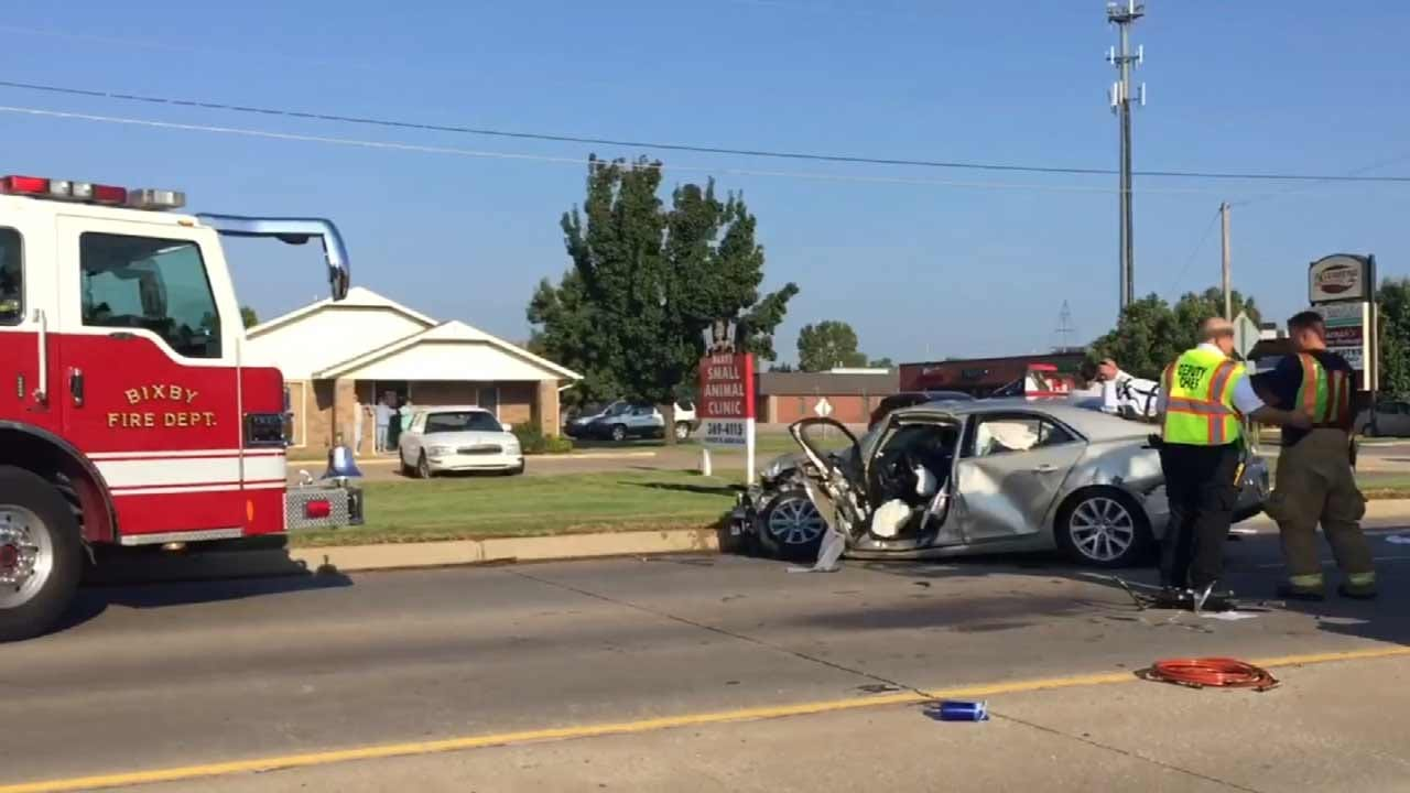 7-Year-Old In Intensive Care After Car Crashes Into Bixby Bus