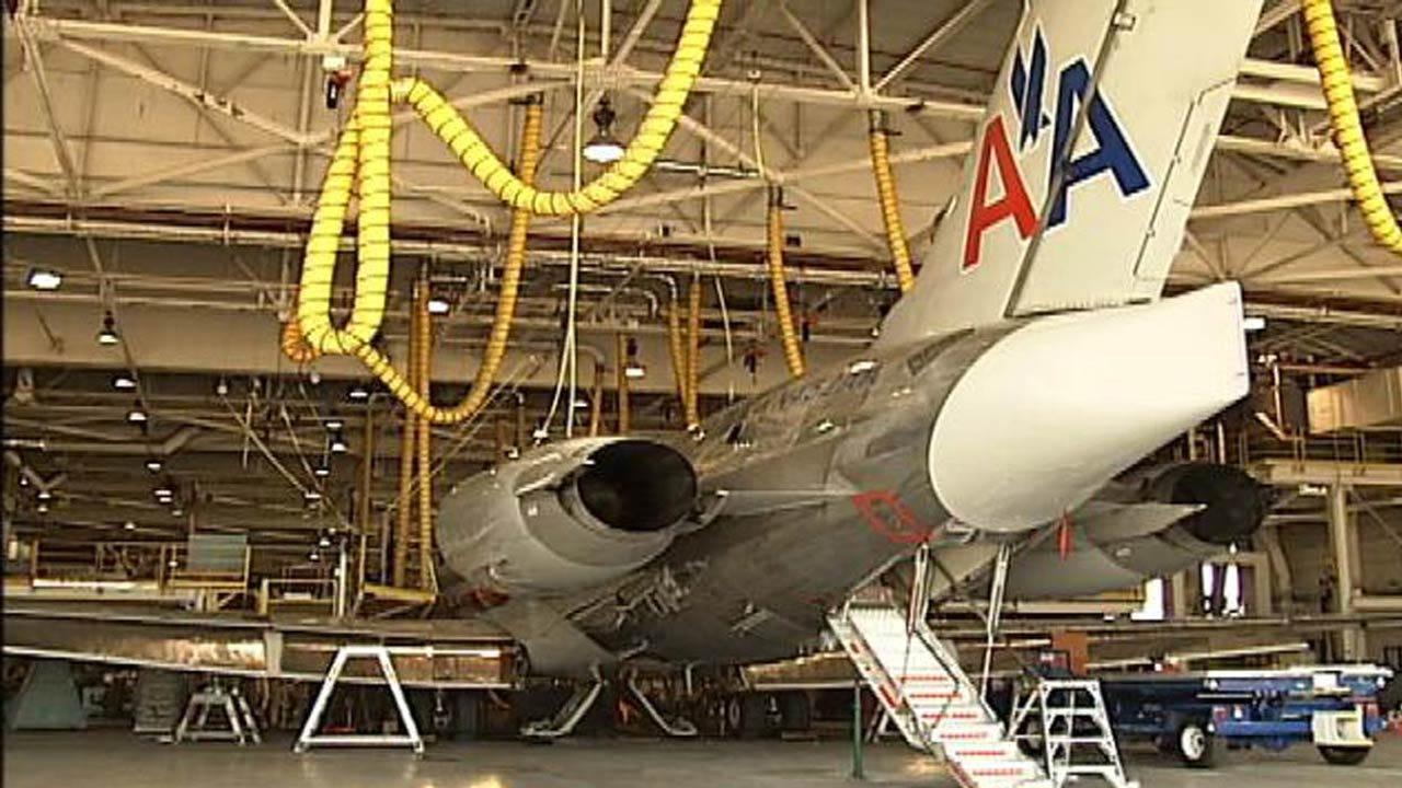 American Airlines Mechanics To Get Large Raises Under Interim Deal