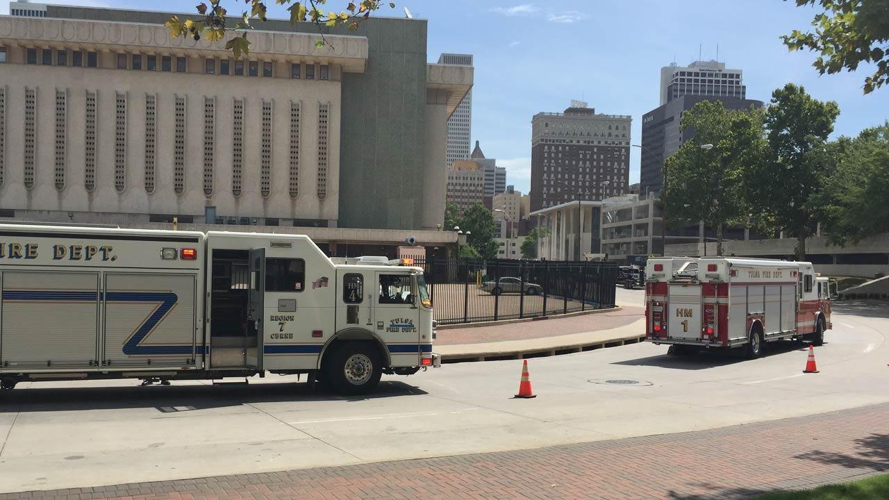 Natural Gas Leak Closes Downtown Tulsa Street