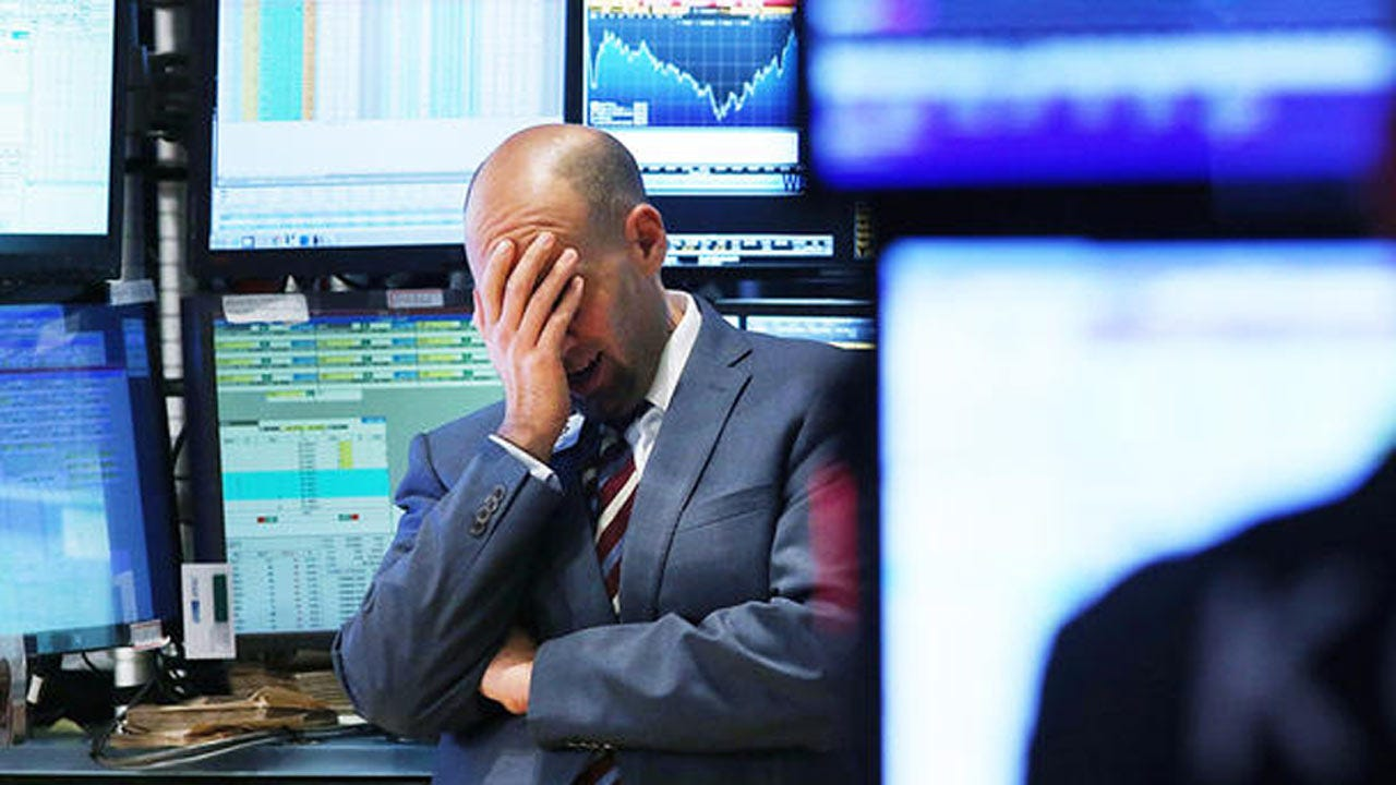 U.S. Stocks Drop Sharply, Plunging 818 Points