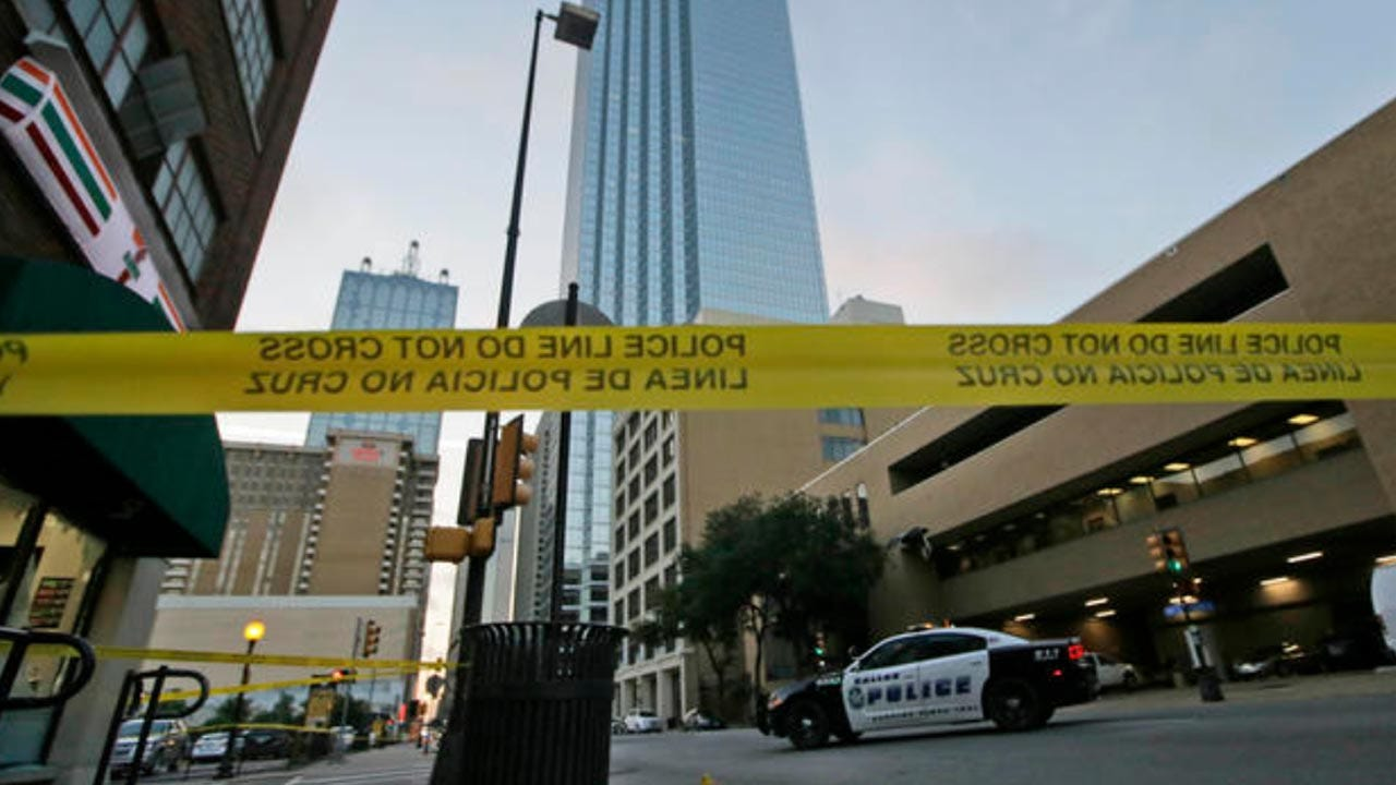Dallas Gunman Wrote On Wall With Blood During Police Negotiations