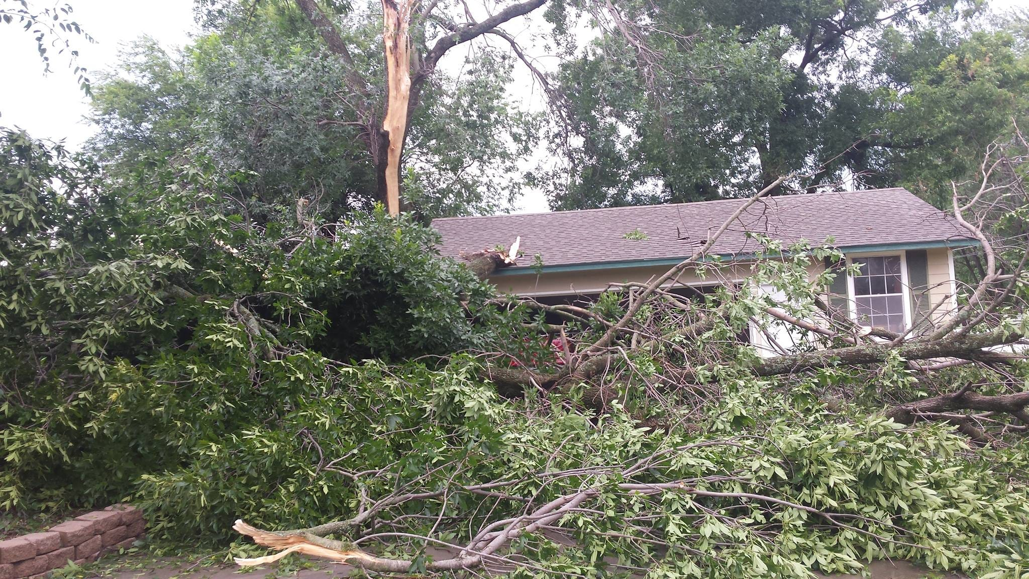 OK Cities Helping Those Dealing With Power Outages, Storm Damage