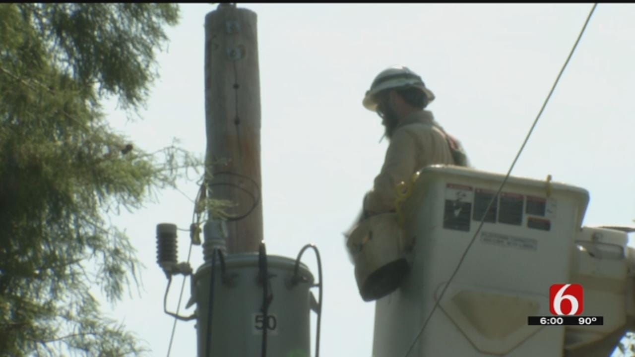 Tulsa-Area Residents Tough Out Heat As Power Crews Continue To Work