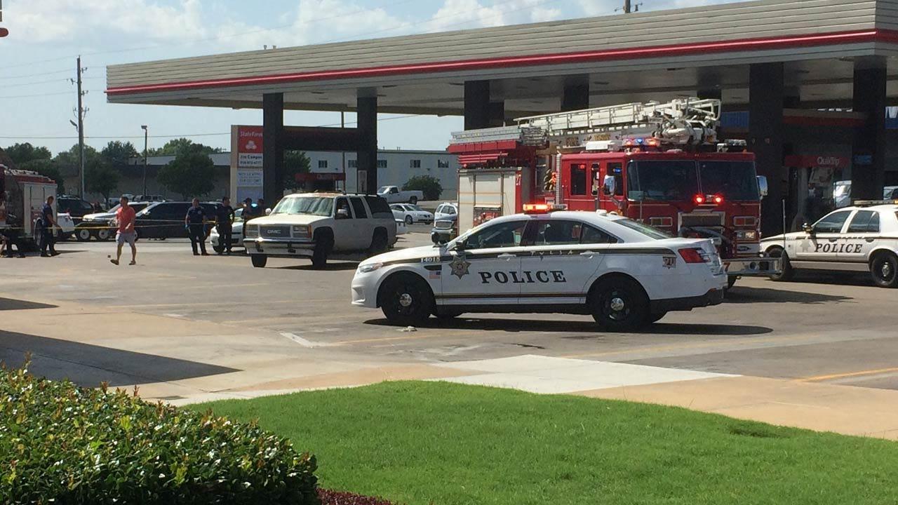 Tulsa QuikTrip Employee Shot While Taking Out Trash