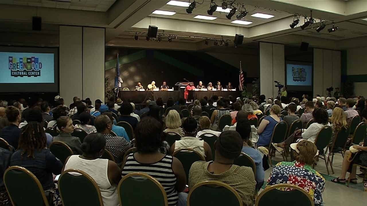 Tulsans Discuss Improving Community/Police Relations