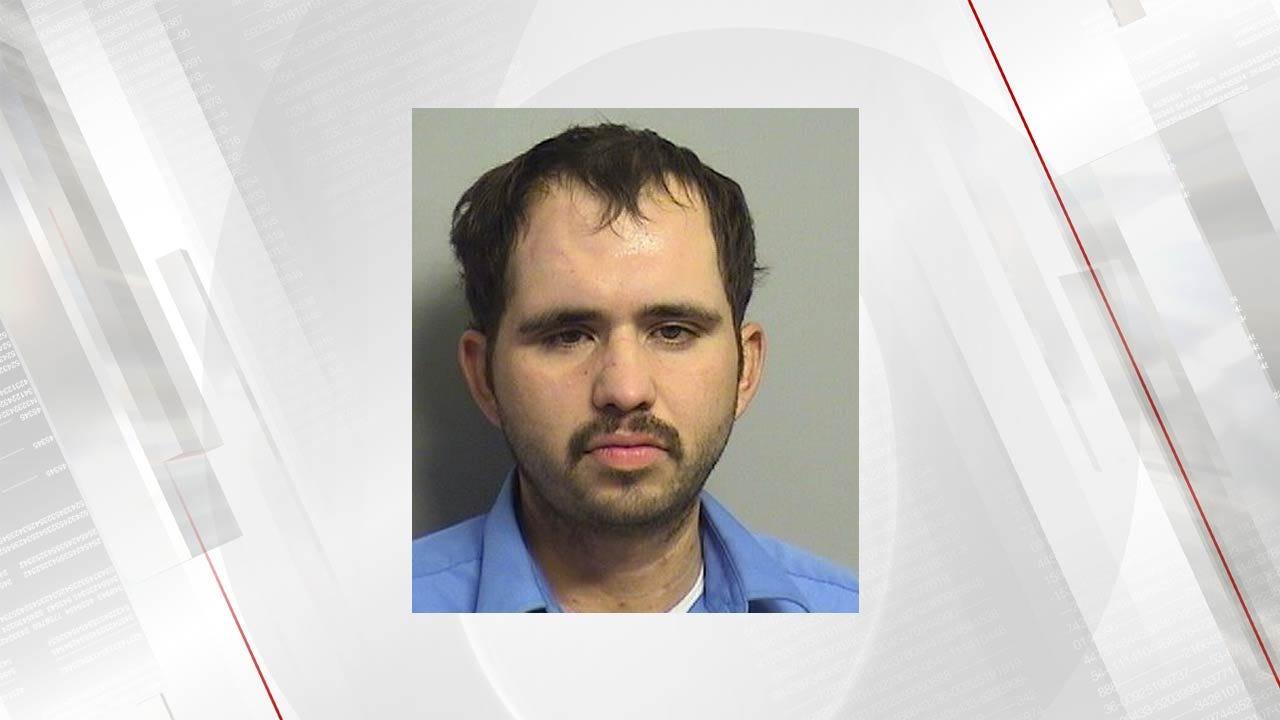 Witnesses Help Police Locate Tulsa Stabbing Suspect