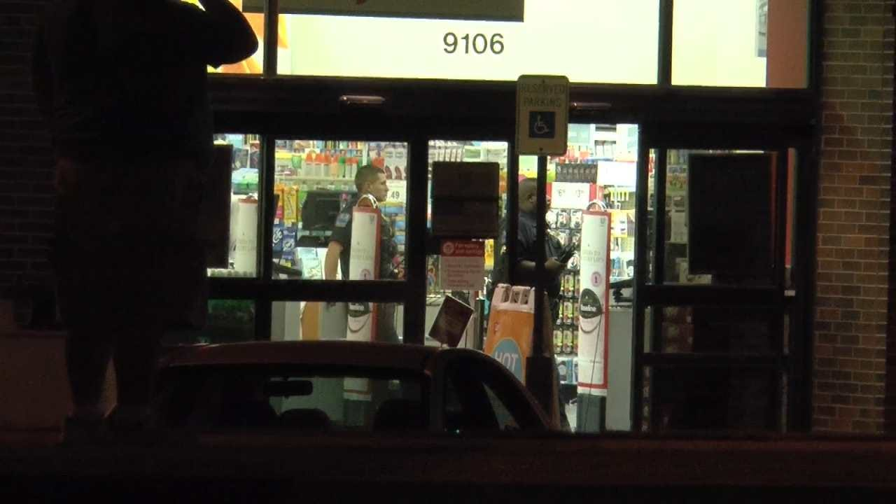 Man Armed With Hammer Robs Tulsa Drug Store