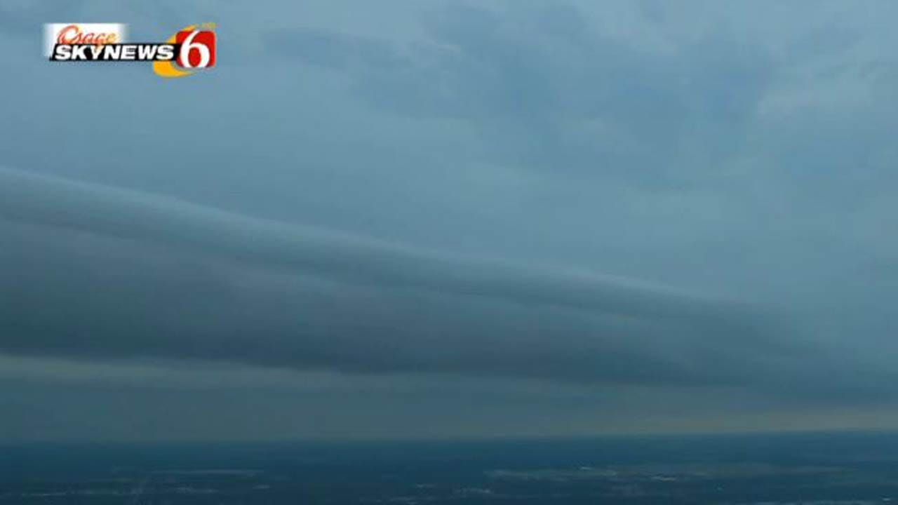 Shelf Cloud Passes Over Downtown Tulsa
