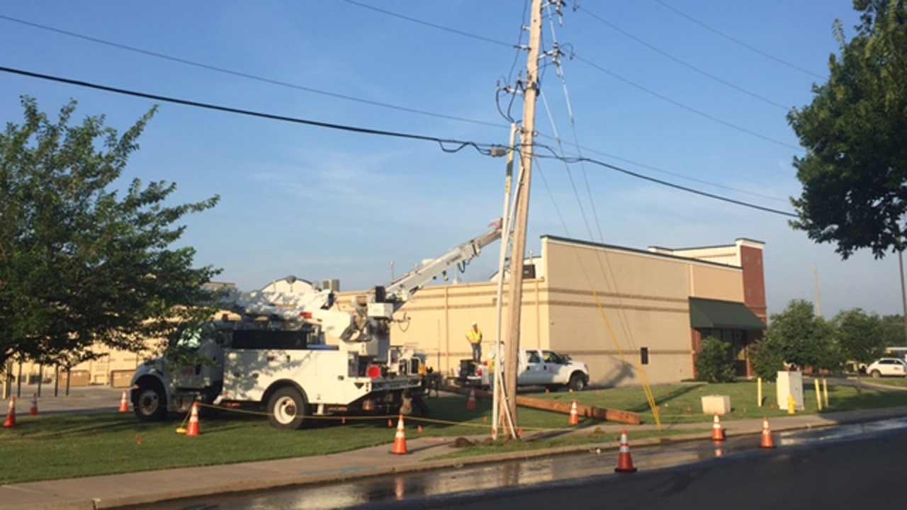 Crash Knocks Out Power To Tulsa Customers