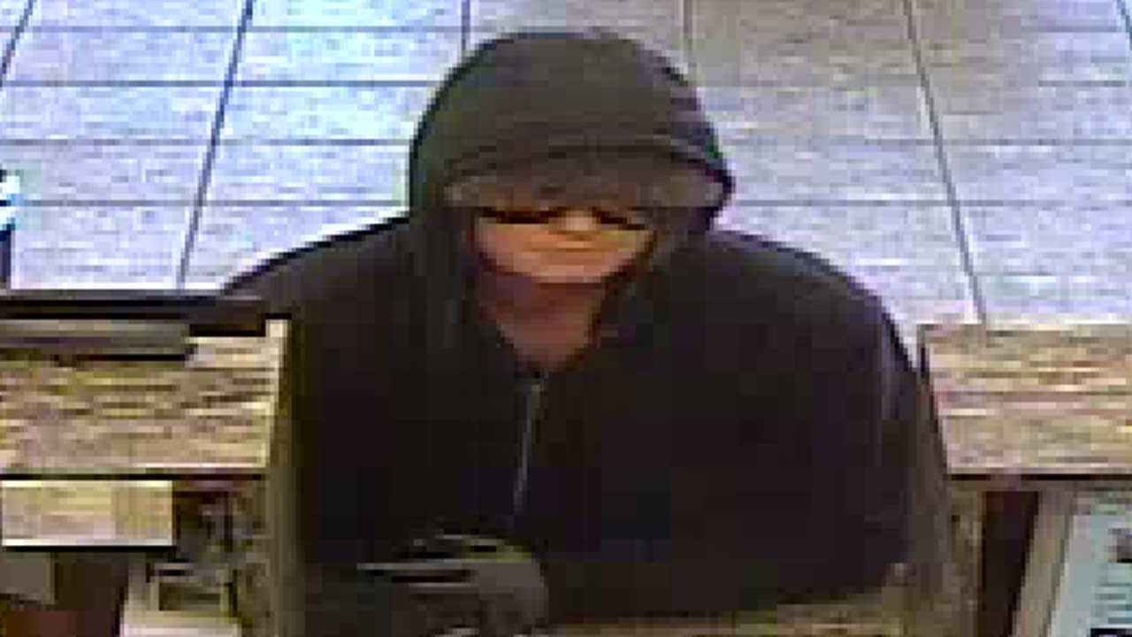 Police: Woman Admits To Robbing Claremore, Tulsa County Banks