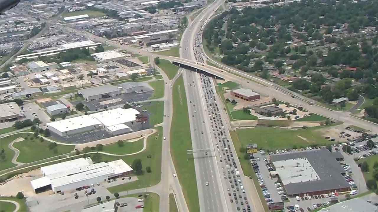 Multiple Vehicle Crash Backs Up Traffic On Tulsa's BA Expressway