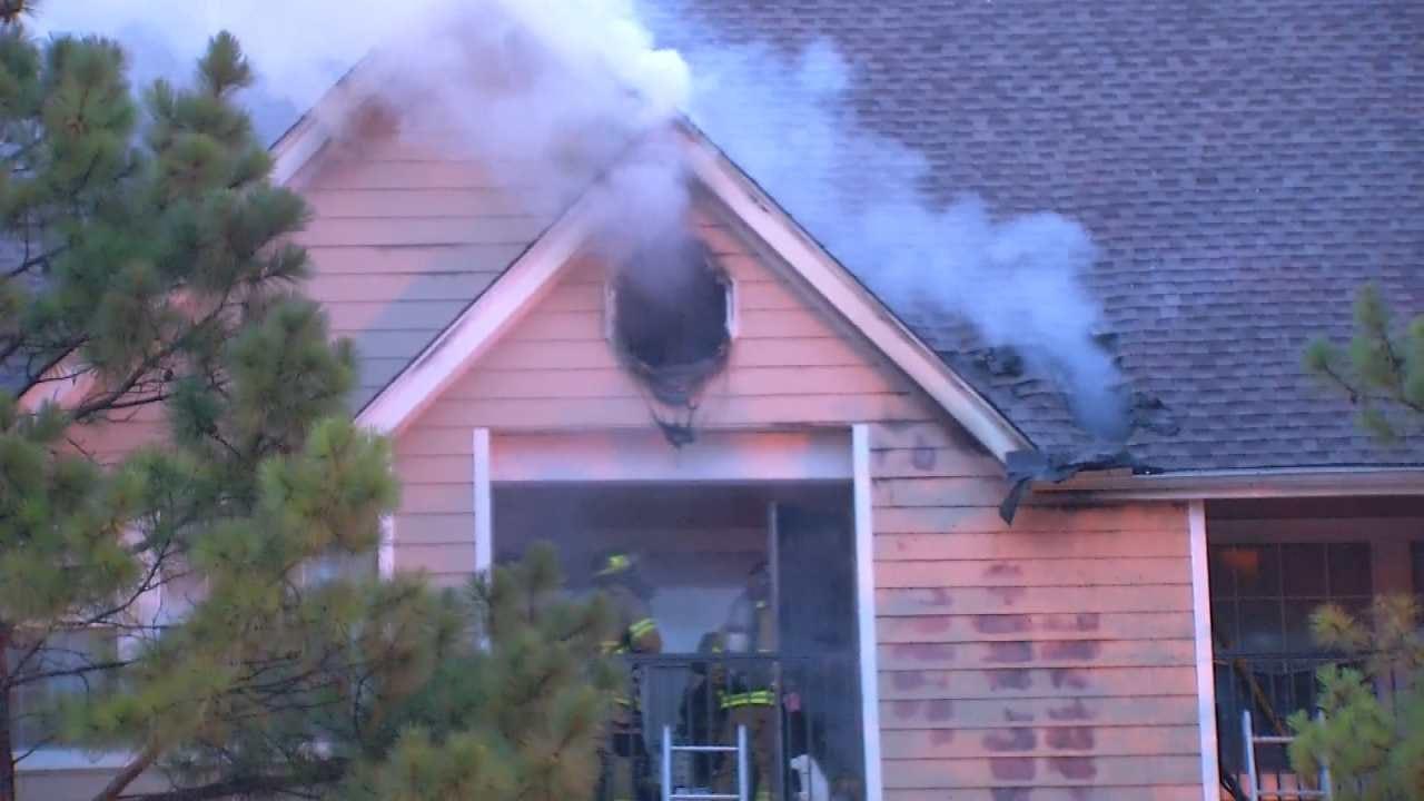 Fire Damages Tulsa Apartment Building