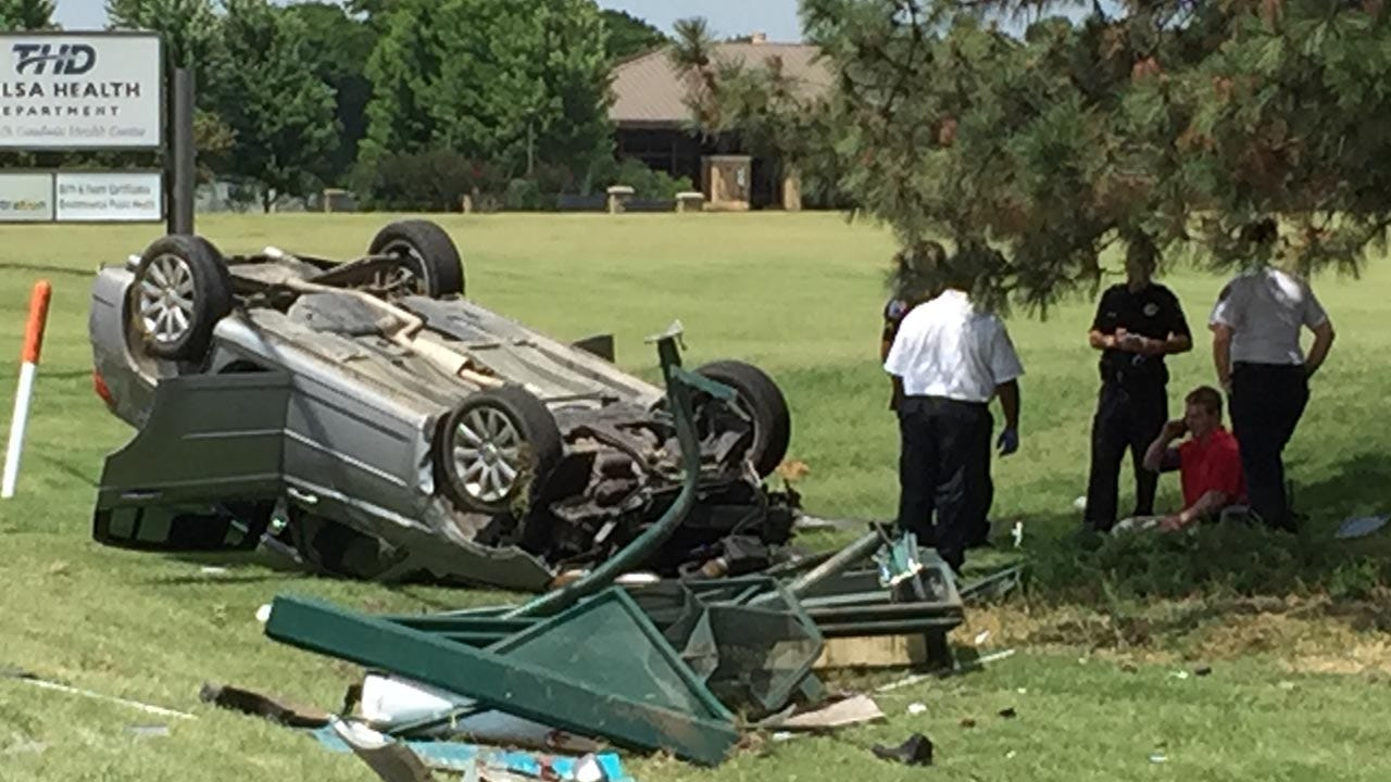 Police Respond To Rollover Crash In East Tulsa