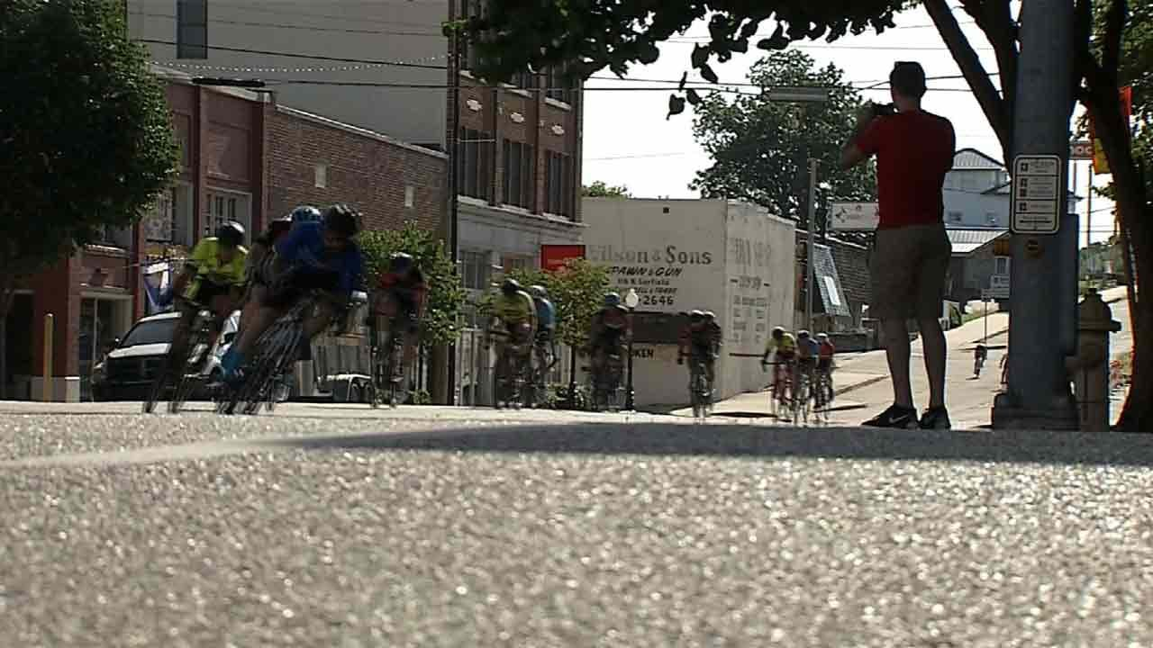 Despite Hot Temperature, Cyclists Take To Downtown Sand Springs Streets