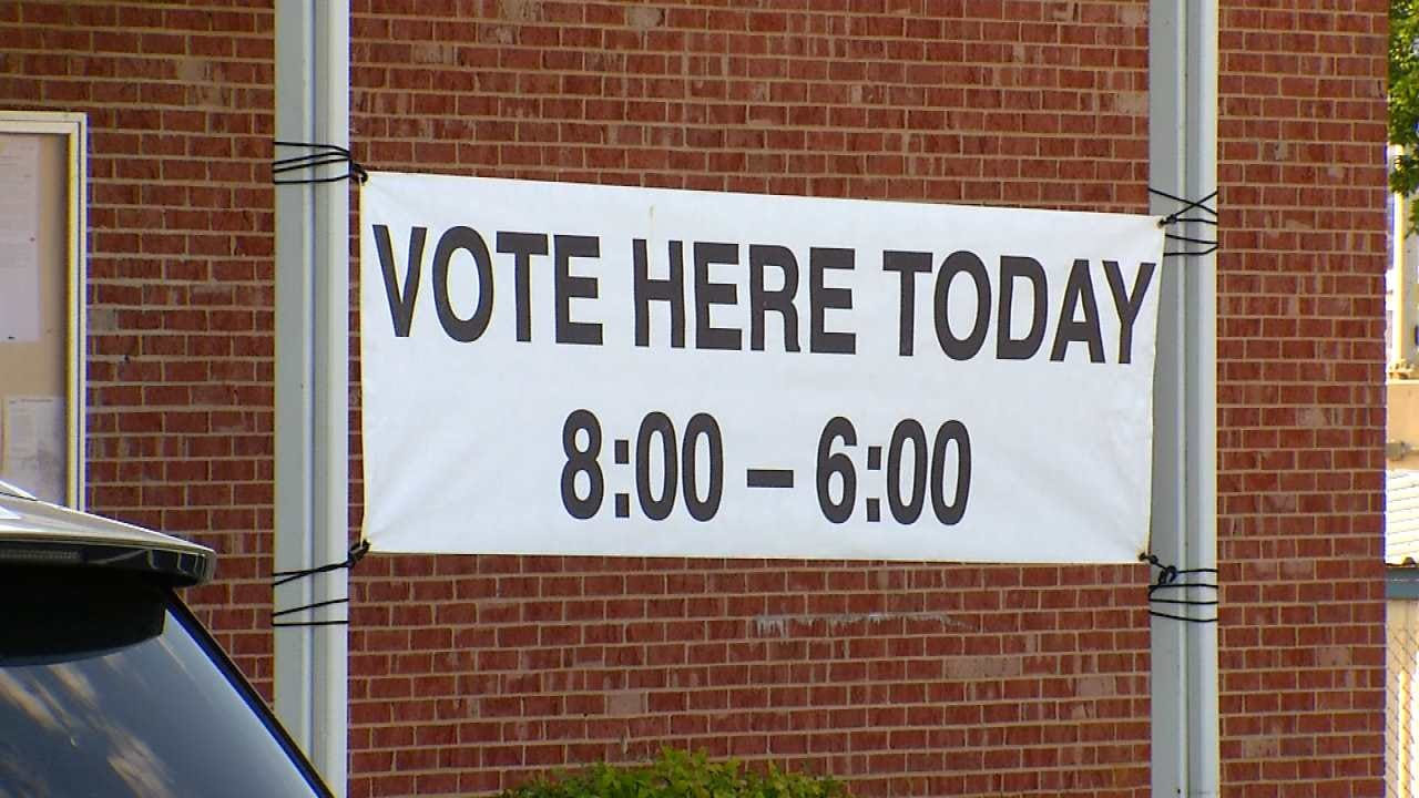 Oklahoma Early Voting Begins With Candidates Casting Ballots