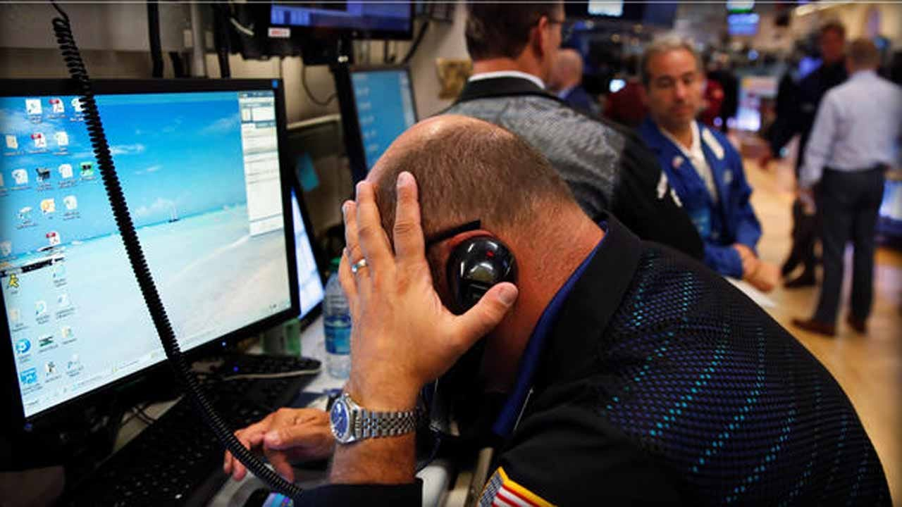 Dow Drops 5.9%, Enters Bear Market Amid Ongoing Virus Fears