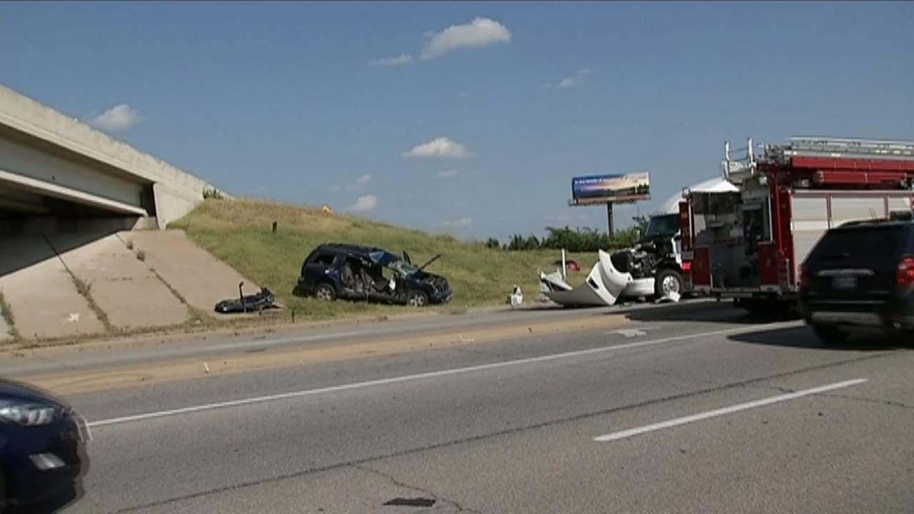 Tulsa Police: Two Injured After SUV T-Boned By Semi