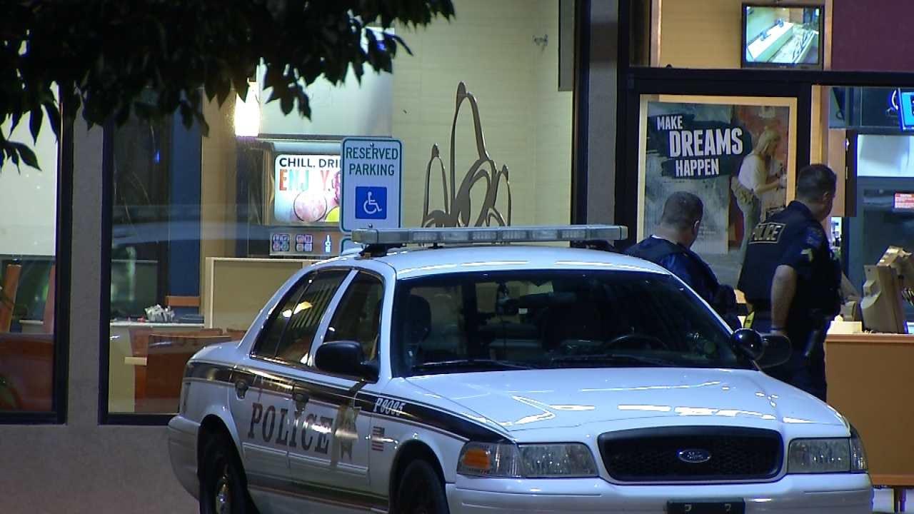 Robber Shoots At Victim At Tulsa Apartment Complex