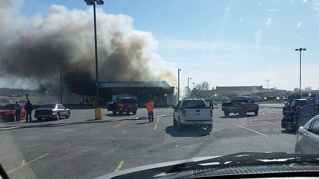 Fire Damages Restaurant In Town West Shopping Center