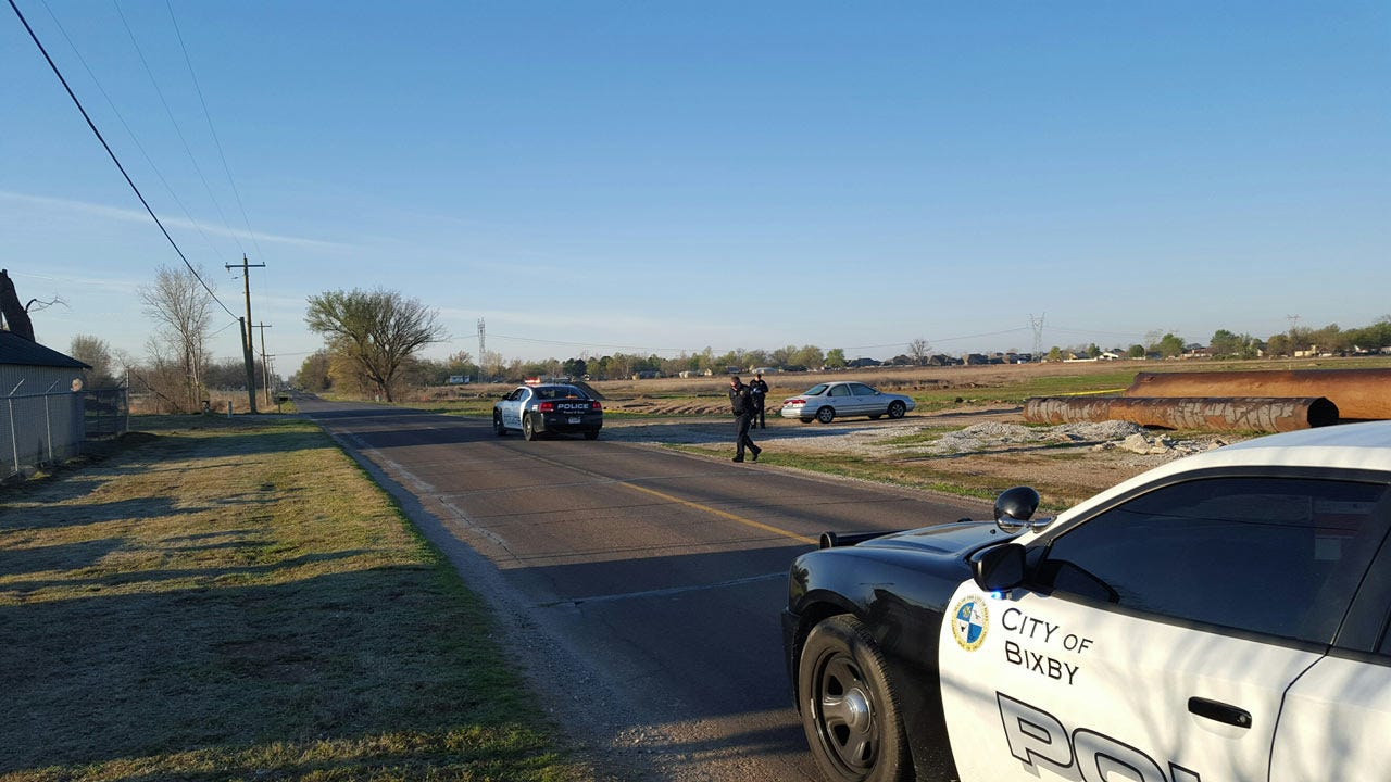 Police: Body Found In Car Parked Just South Of Bixby Was A Suicide