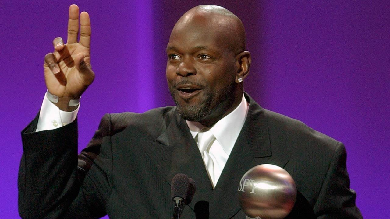 NFL Hall Of Famer Emmitt Smith To Speak At Iba Awards