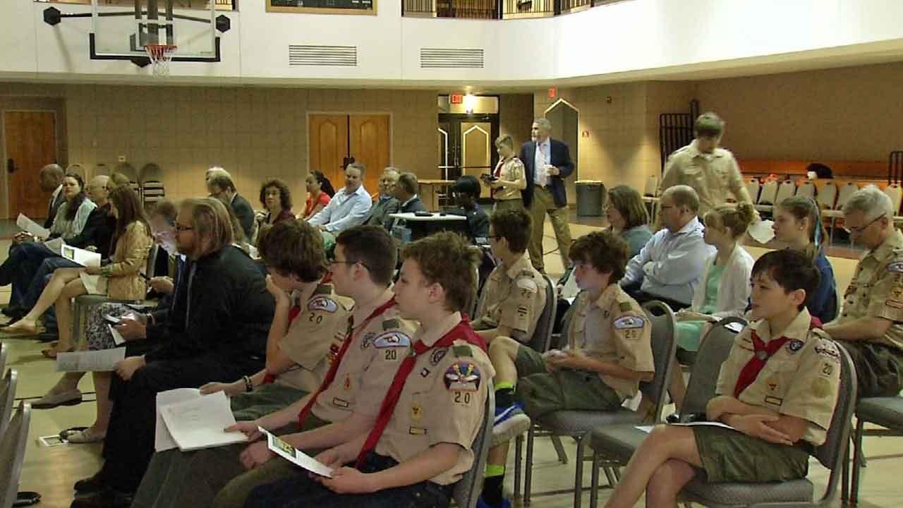 Tulsa Celebrates Easter With Sunrise Services
