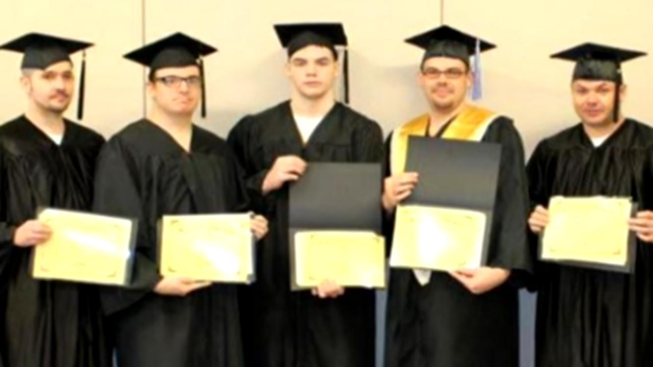 Rogers County Inmates Graduate With GEDs