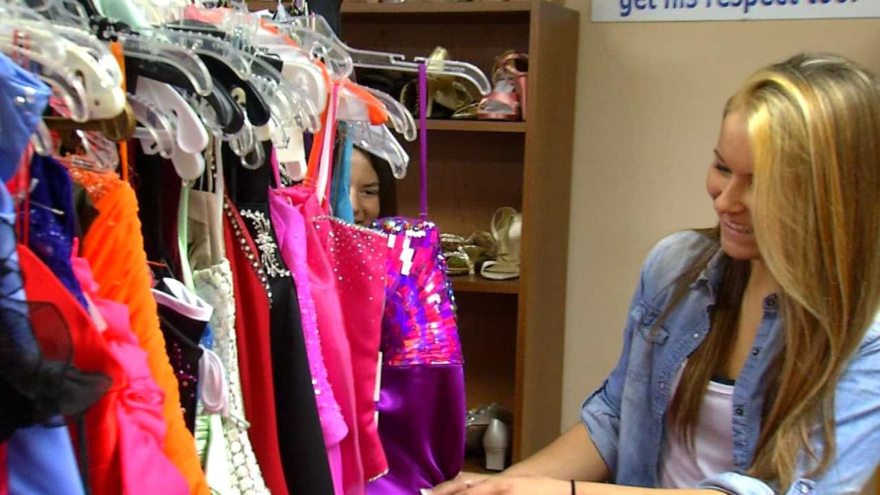Sperry Group Celebrates 16 Years Of Helping Girls Get To Prom