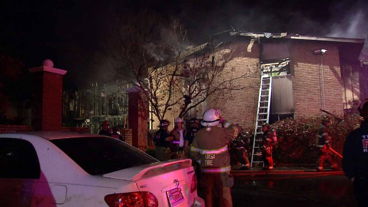 One Man Dead, 3 Firefighters Injured At Tulsa Apartment Fire