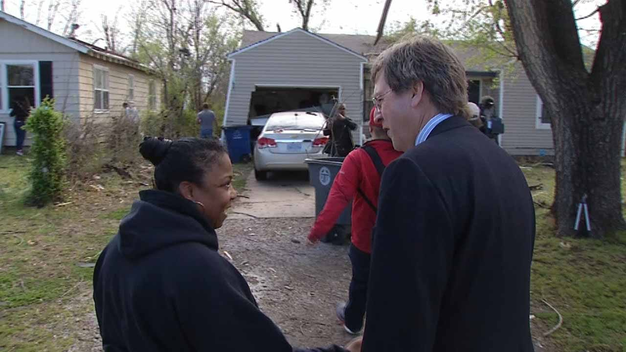 Tulsa Mayor Tours Tornado Damage, Meets With Victims