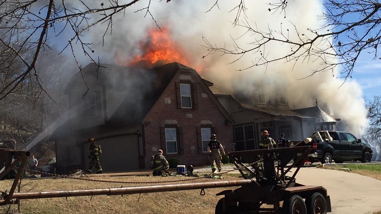 Firefighters Battle Sapulpa House Fire