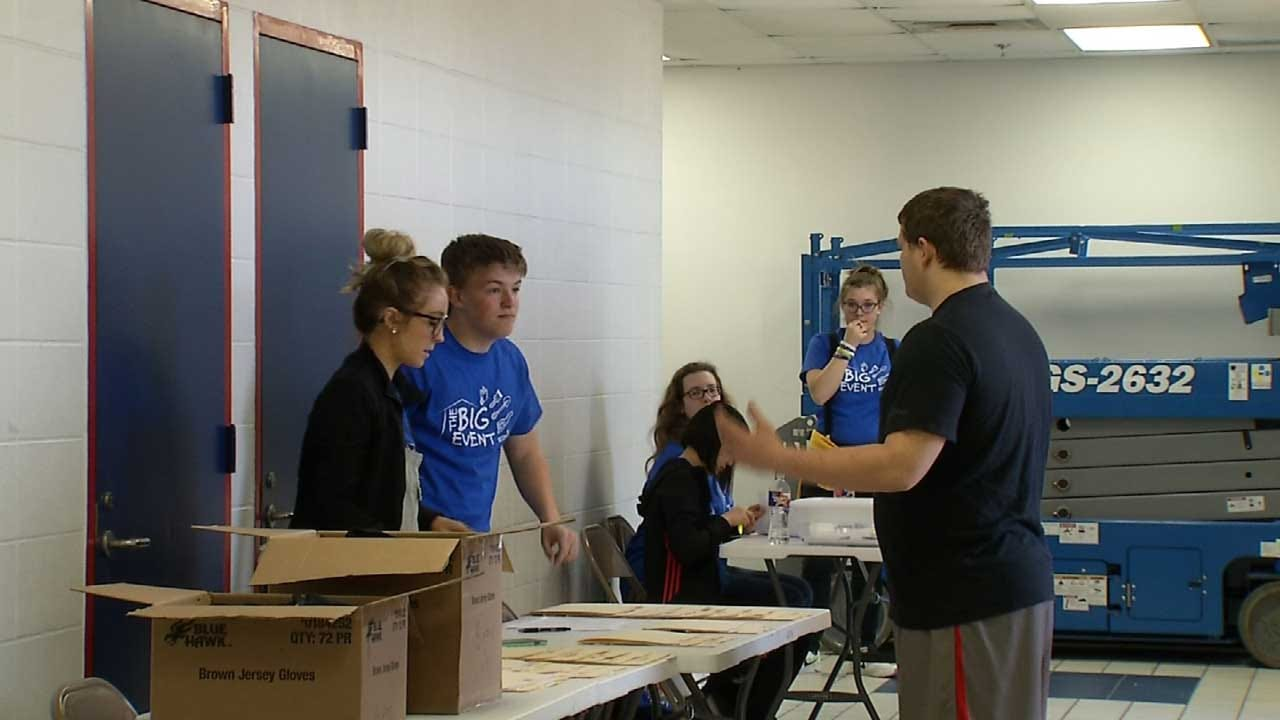Bixby High Schools Students Give Back To Community