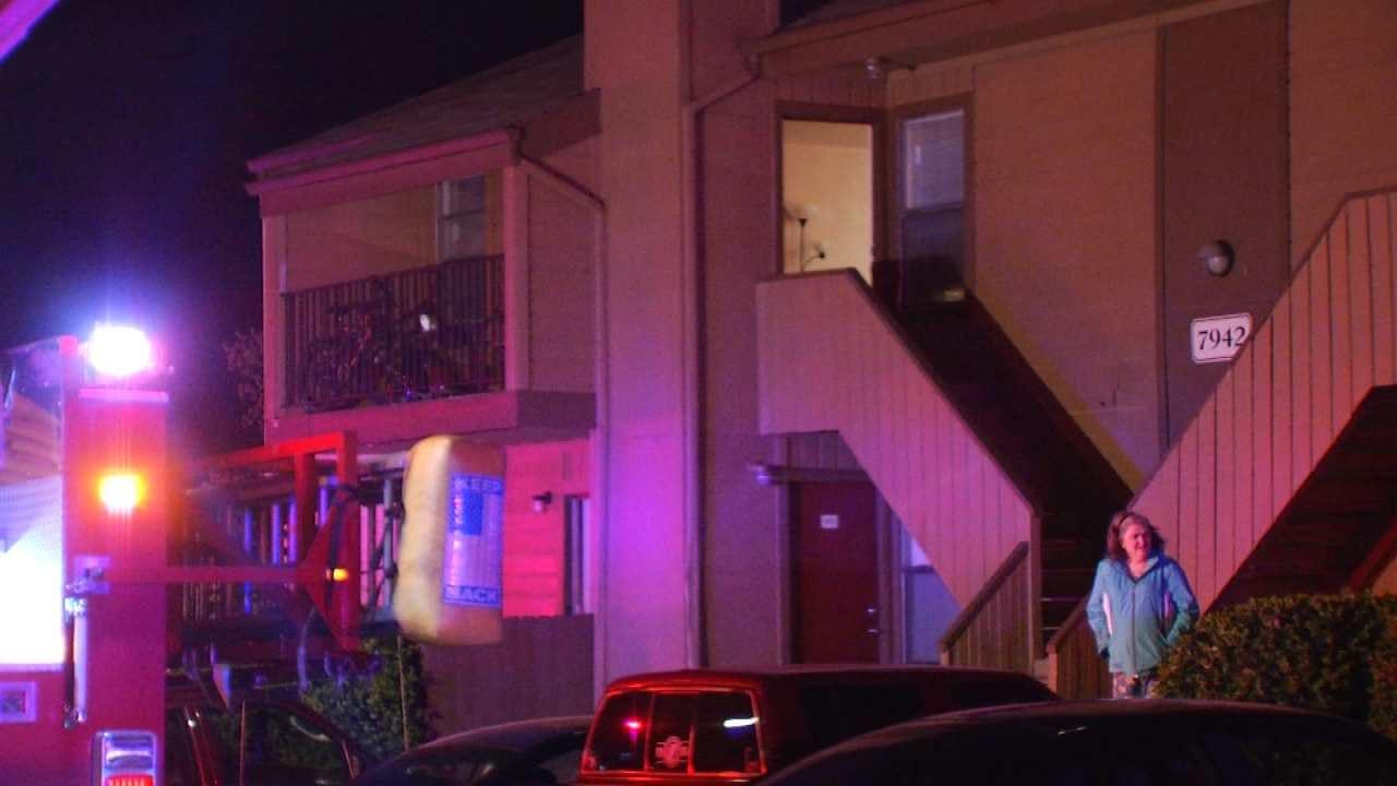 Apartment Fire Displaces Tulsans