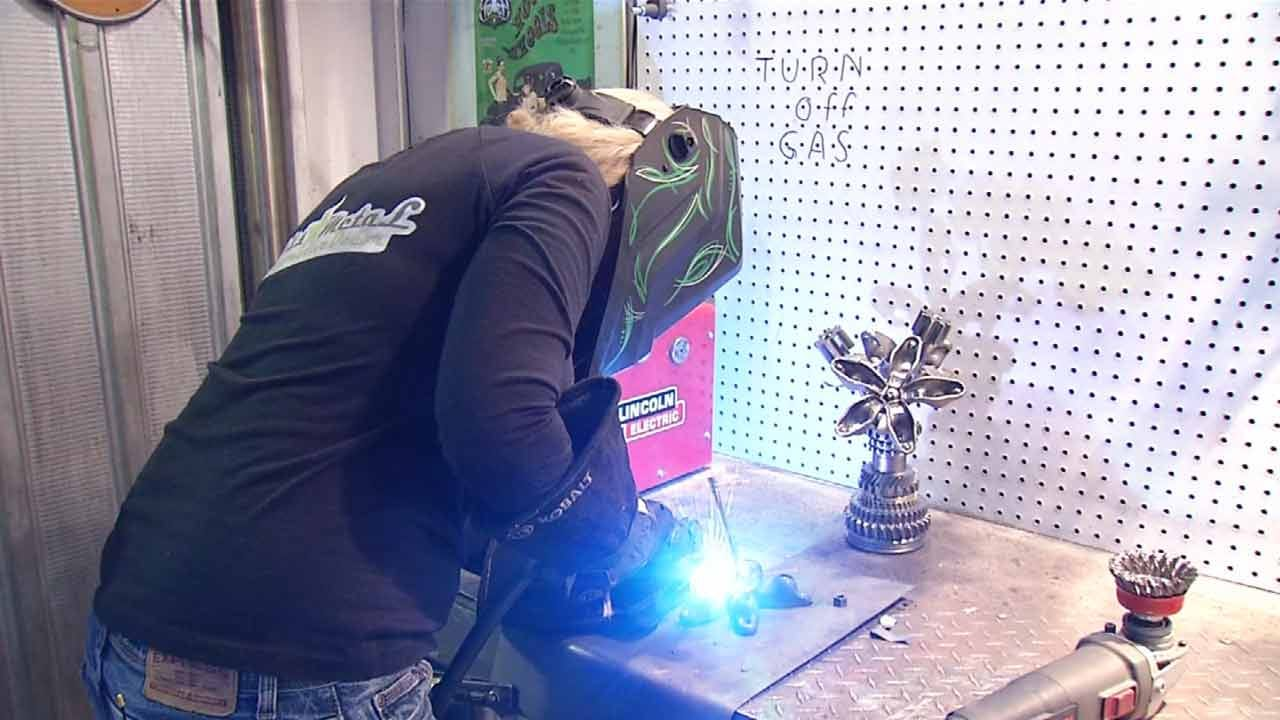 Oologah Woman Turns Old Car Parts Into Home Decor